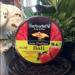 Herborist Body Scrub with Strawberry Extract 100g
